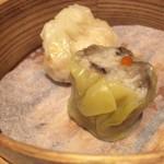 59906299 - 海老焼売とフカヒレ餃子