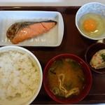 すき家 - 鮭卵の朝定