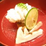 59908655 - 鱧と松茸 丸茄子 鱧の骨と昆布出汁のお椀