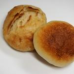 オオナミ - リュスティック(250円)とロールパン(100円)