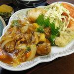 勝洋軒 - 料理写真:酢豚、揚げ餃子、肉天、サラダ