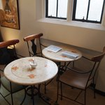 カフェ フロインドリーブ - テーブル席