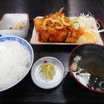 大城 - トリ唐のレモン煮 800円