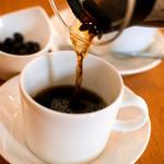 COUZT CAFE + SHOP - ハンドドリップで丁寧に抽出する、オーガニックブレンド珈琲。