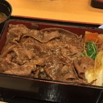 柿安イートイン - 黒毛和牛すき焼重(1542円)