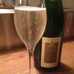 ビストロ ル セット - スパークリングワイン(800yen)