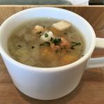 夙川 五感で楽しむイタリアン&カフェ トリニティ - カップスープ