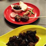 キッチン真味屋 - 鹿と原木椎茸のアヒージョ、鹿のつくね マグロの臓物甘露煮