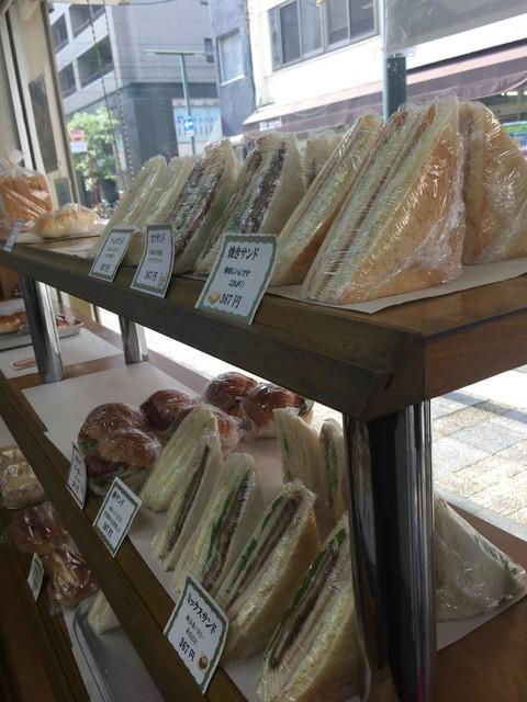 手作りのパン 河内ベーカリー - たな~