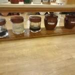 手作りの味噌らーめん 味噌樽 - 卓上の調味料