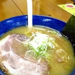 らーめん本丸 - 塩ラーメン 750円
