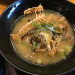 漁師料理 かつら亭 - アジの骨は味噌汁になります。