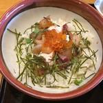 漁師料理 かつら亭 - 海鮮丼です。