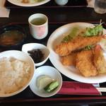 カントリーハウス - ミックスフライ定食 @980