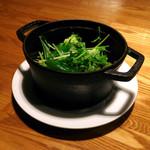 59928326 - 看板料理、季節野菜のパリグール風。入れる野菜は仕入れ状況によって多少変わるとのこと。このときは15種類くらいの野菜が入っていました。