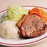 鍋の中 - ビーフステーキライス 890円