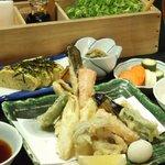 葱や平吉 - 魚、肉、野菜の3種から選べるワンドリンク付き晩御飯セット