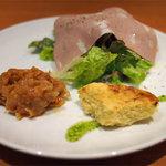 PIZZERIA しんのすけ - 料理写真:ランチの前菜盛り合わせ
