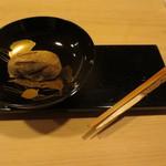 銀座一期 - 目の前でついた猪子餅。