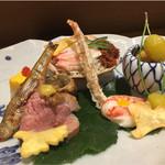 59933902 - 間人浜茹でせこがに、ばちこの天ぷら、海老の芋寿司、本モロコ、蟹の錦卵、赤ナマコ海鼠腸掛け、翡翠銀杏鴨ロースだし漬け
