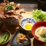 炉端の佐藤 - 豚丼・大 セット