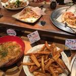 roan - ピザやマカロニグラタン、れんこんの唐揚げ