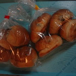 あけぼのパン直売所 - レーズンバターロール 4個入り袋、レーズンロール(マーガリン入り)4個入り袋