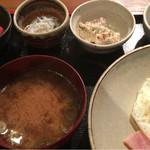 めしの助 - おまかせ朝定食(赤むつの一夜干し・       自家製ツナマヨ・釜あげしらす・明太子)