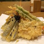 谷や 和 - 天ぷら盛り500円