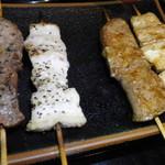 炭火焼鳥串道 - 串焼き4種