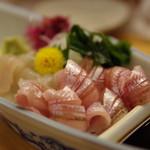 割烹 魚仙 - ハタハタとフナベタのお造り