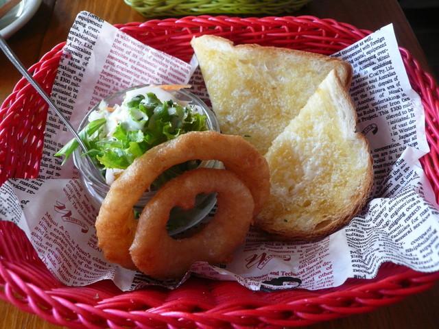銀山ベース - バタートーストサラダオニオンリングドリンクセット