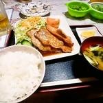 炉ばた和ちゃん - 料理写真:豚しょうが焼き定食