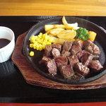 5995496 - 短角牛サイコロステーキ。
