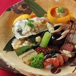 東荘 - 牡蠣をはじめ、瀬戸内の冬の味覚を詰め込んでいます