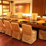 東荘 - 大テーブルの席