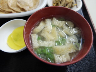 お食事処 膳楽 - 味噌汁