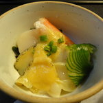 世界 - 季節の海鮮辛子酢味噌