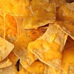 ザ・バー 宮崎 - サクサクナチョスにチーズをオン! オーブンにゴー! 香ばしく焼けたナチョス&サルサをどうぞ。