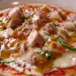 ほっとるーむ けやき - ハニーマスタードのチキンピザ