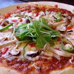 ほっとるーむ けやき - 甘辛麹味噌のピザ