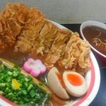 SHIN - 揚げチキンめんの大盛りが、まさかの別皿出し。(笑)