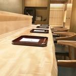 日本料理 翠 - カウンターはL字型となっています