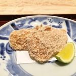 日本料理 翠 - ふぐ(前)、海老芋(後)の竜田揚げ