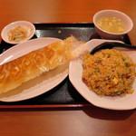 59982031 - 餃子+半炒飯 600円