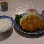 とん竹 - 料理写真:ロースカツ定食(松)1450円