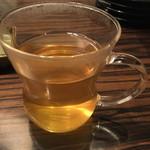 ままやホルモン - ジャスミン茶の茶葉の容器を抜きました