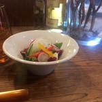カサーレ - ヤシの実サラダ