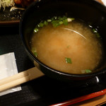 気分上々 - 若鶏香味揚げ定食の味噌汁(第四回投稿)