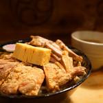 59989739 - 唐揚げ、きざみチャーシューのW肉コンビ。